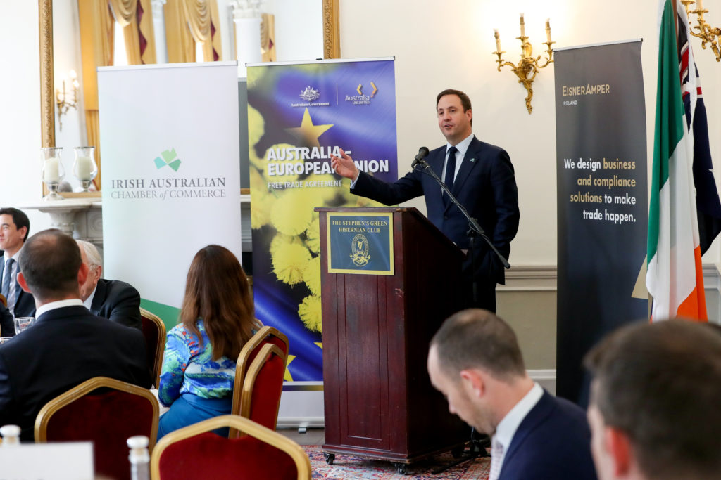 Minister Steven Ciobo addressing guests on his visit to Ireland.